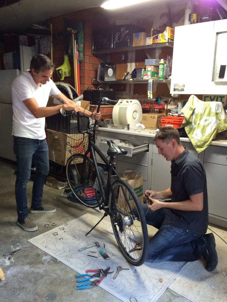 Ron traveled across the country to San Fran to rebuild the back hub of a custom Ron bike for our friend Jay.