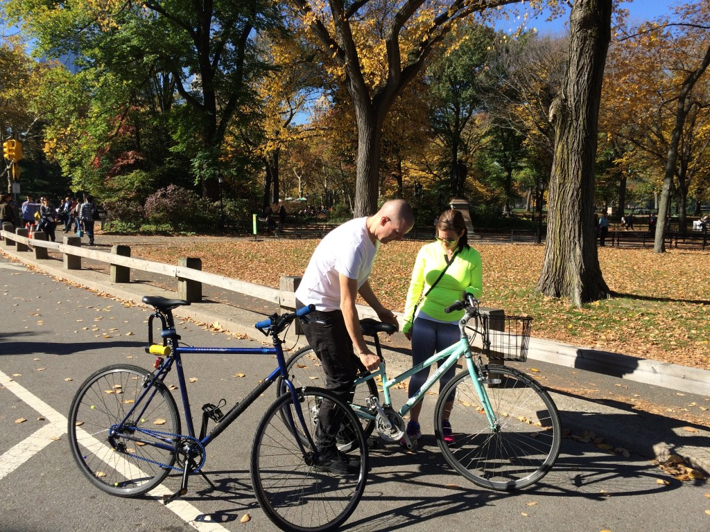 This Central Park bike renter had a problem with her seat, which kept sliding down. She was miserable, but Ron tightened it up in a jiffy. Mister Fix It..!